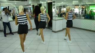 Baixar Evelyn Bastos, rainha de bateria da Mangueira, ensina a arte do samba no pé