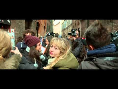 "The Face of an Angel Movie Clip ""Press Pack"" - Cara Delevingne, Daniel Brühl, Kate Beckinsale"