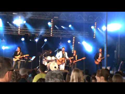 Mama's Jasje - Regenboog Beverse Feesten 2009