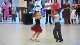 Jeunes Enfants Danse Ballroom Rocher YouTube.flv
