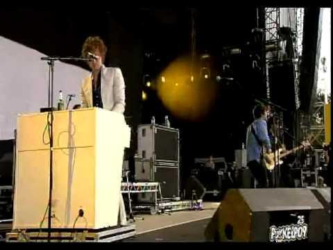 The Kooks - Shine On live @ Pukkelpop 2010