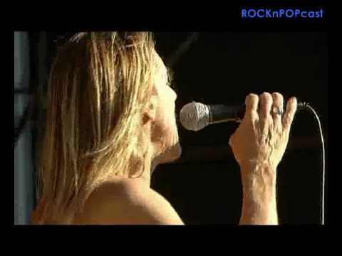 Iggy and The Stooges - I Wanna Be Your Dog - Live @ Reading 2005