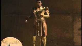 Plácido Domingo sings 34 Se quel guerrier io