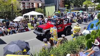 desfile de autos clasicos  y antiguos Feria de flores 2018
