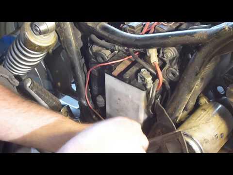 (3)Yamaha Virago battery removal - YouTube