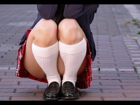 В Японии школьницам даже зимой ЗАПРЕЩЕННО носить колготки под юбки