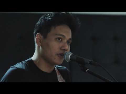 Ed Sheeran - Shape Of You Cover By Rendy Pandugo [Kongkow Bareng]