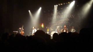 Social Distortion - Let the Juke Box Keep on Playing (Carl Perkins)