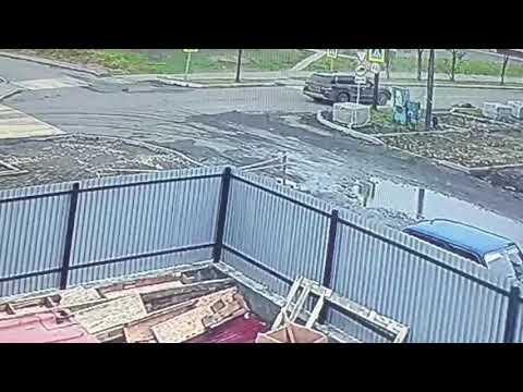 Сбитый внедорожником мужчина пролетел несколько метров в Поронайске