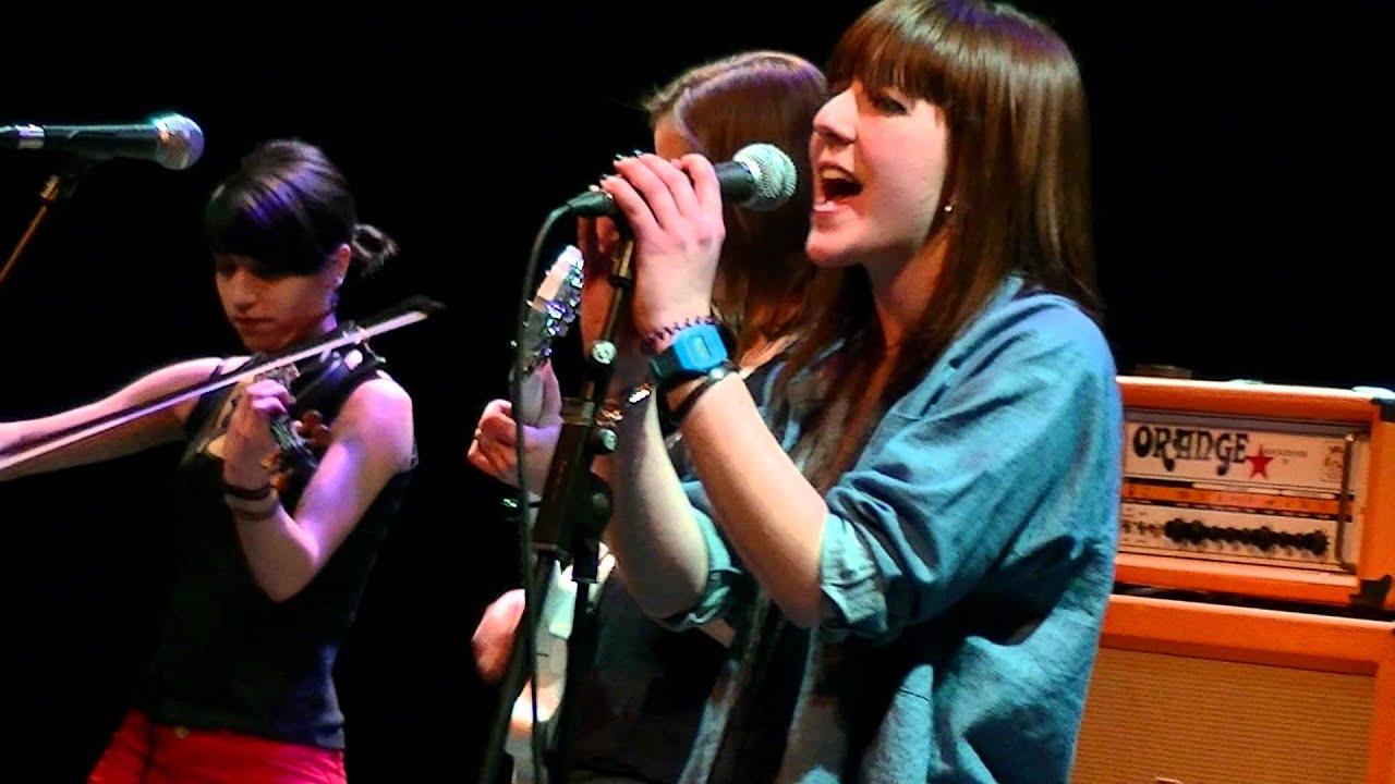Hasta el Moño en DIPROMUSIC (Teatro Juan Bravo, Segovia, 26-02-2012)