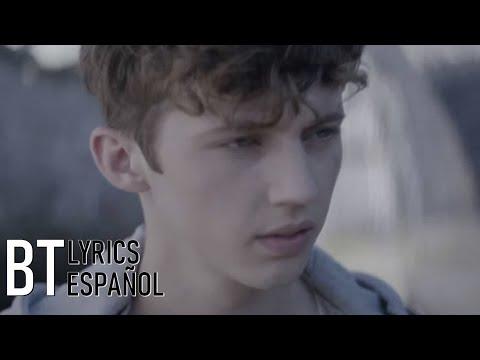 Troye Sivan - FOOLS (Lyrics + Español) Video Official