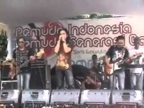 LOCHNESS band indonesia ROXITA