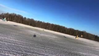 Групповой пилотаж на вертолетах Robinson(Больше авиационных видео на http://vzletim.aero/, 2015-12-09T07:42:12.000Z)