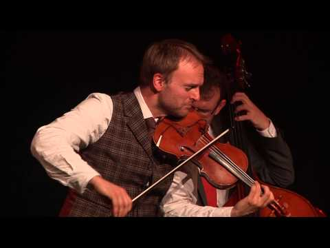 Balkan Groove Kammermusik - Uwaga! plus Max Klaas (Percussion)