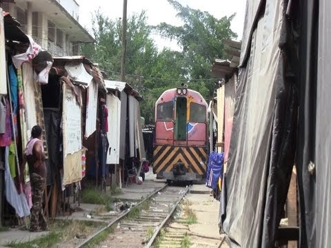 [Honduras] A Train and Railroad Shops in San Pedro Sula (Aug., 2013)