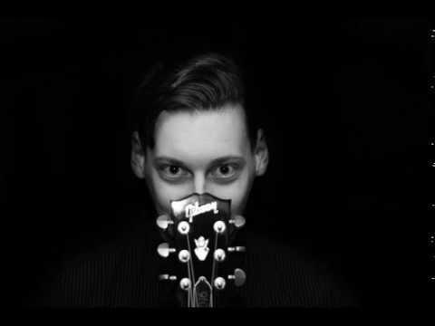 Singer / Songwriter Conrad Hell Roxx - Traue dich