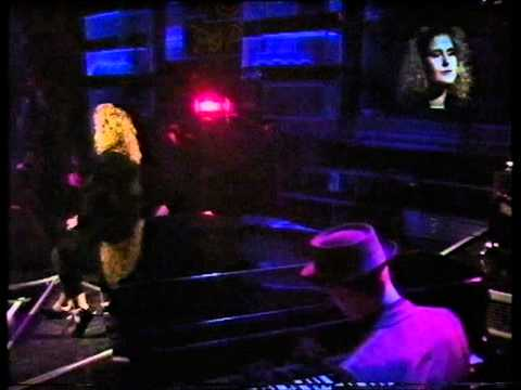 alison-moyet-love-letters-top-of-the-pops-thursday-10th-december-1987-mymusicfootage