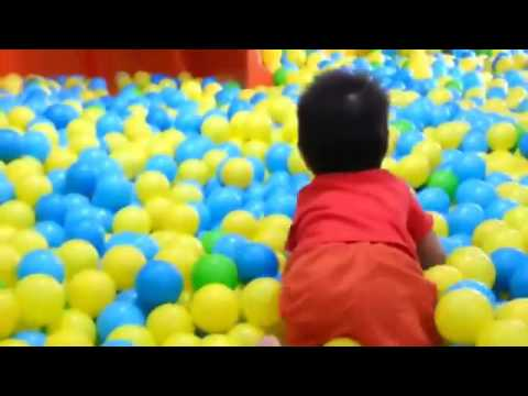 'The Ball Pit Show' for learning colors    children's educational video