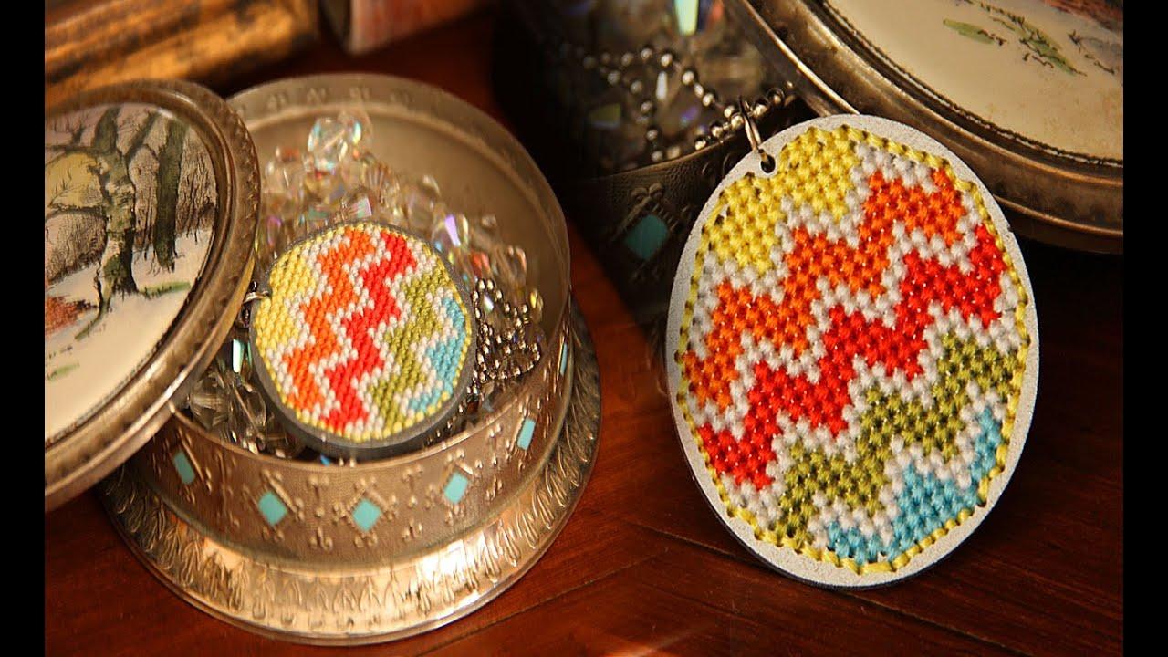 Вышивка кулонов крестиком