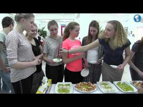 Học sinh trường Maartens College - Hà Lan tham quan trường Quốc tế Á Châu