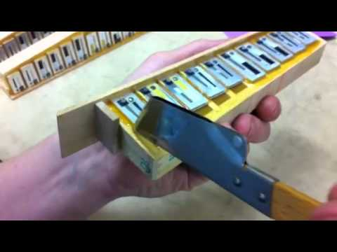 Accordion reed waxing