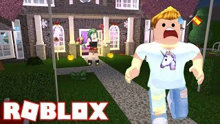 A SECRET GIFT FOR NIA! 🎁😳 BLOXBURG ROBLOX Roleplay CAP. 18