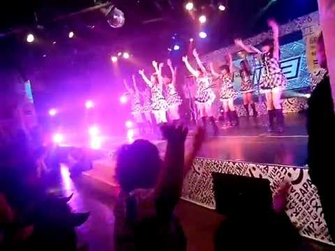 JKT48-HEAVY ROTATION ft. Japanese & Indonesian Fans Wotagei