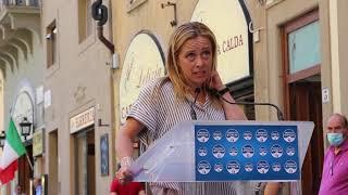 """Meloni a Firenze per le regionali: """"Libereremo la Toscana dal guinzaglio della sinistra"""""""