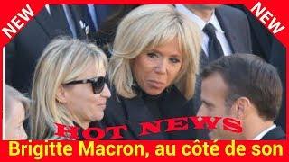 Brigitte Macron, au côté de son mari pour soutenir la famille de Charles pendant l'hommage national