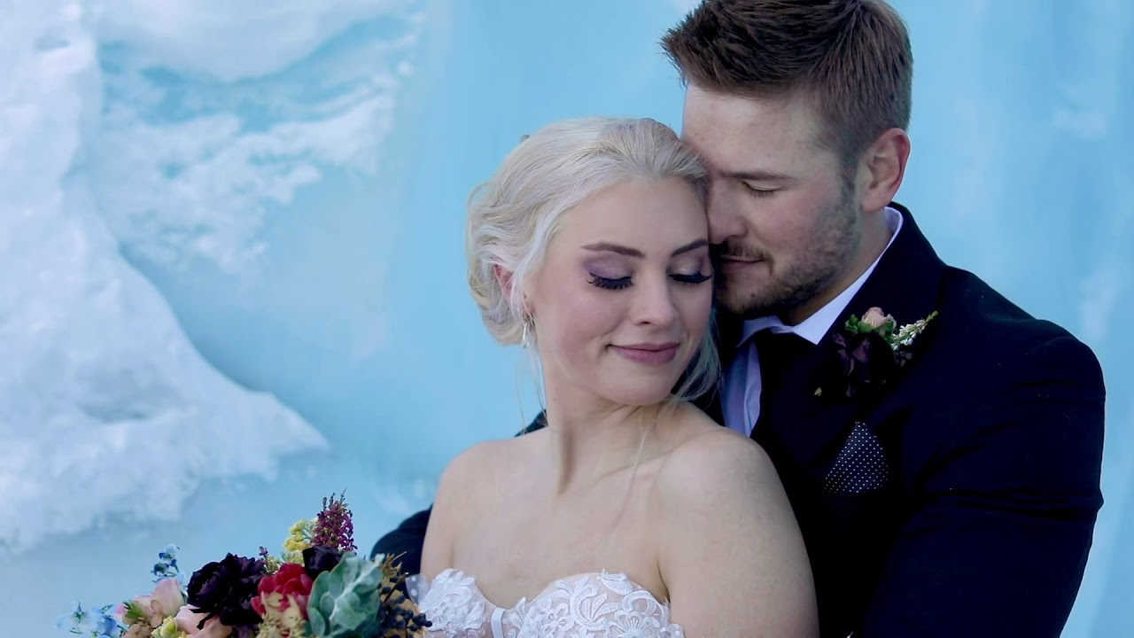 This will make you want to get married in Alaska || Matunuska Glacier Styled Shoot