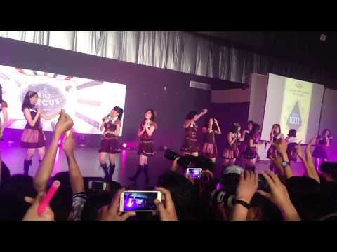 JKT48 - Heavy Rotation dangdut version at JKT48 Circus Semarang