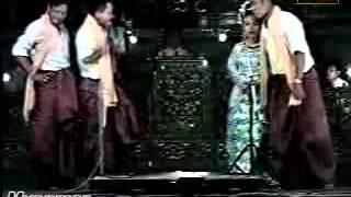 Shwe Nyi Ko Ah Nyeint ေရႊညီကို အၿငိမ့္ (ရွုမဝ)