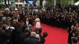 Скачать SHOOTING At Cannes Film Festival Actors Flee For Cover May 18 2013