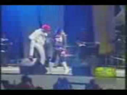 STING 2008 SPICE FEAT VYBZ KARTEL ROMPING SHOP LIVE !