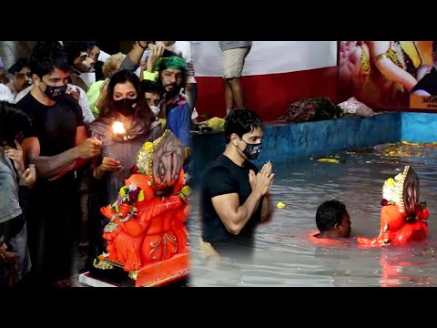 Sonu Sood danced his heart out at Ganesh Visarjan