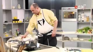 Холодный соус из яйца, огурцов и сметаны рецепт от шеф-повара / Илья Лазерсон