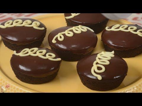 Homemade Hostess Cupcakes Recipe Demonstration - Joyofbaking.com