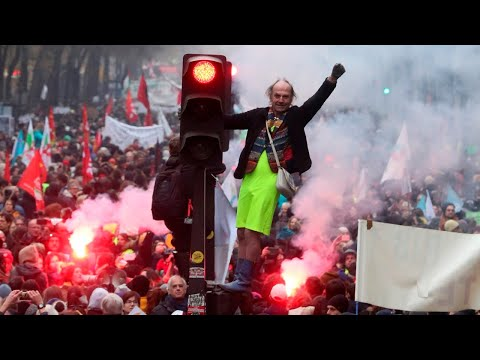 Millions take part in anti-govt protests across France