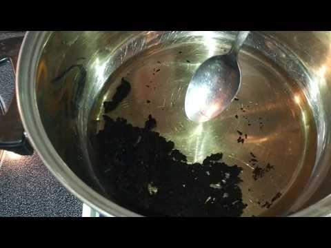 The Best Way to Clean A Burnt Pot
