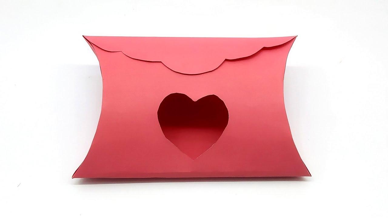 DIY Valentines Pillow Boxes   Ambachtelijke geschenken ...   720x1280