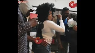 Download Video Popular Actress &Bukola Adeeyo Shakes Their Massive Uwku As Guys Go Crazy At Regina's Birthday MP3 3GP MP4