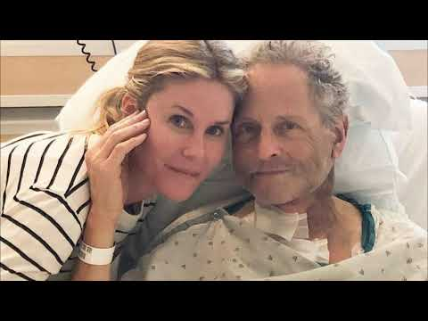 Lindsey Buckingham Recovering From Emergency Open Heart Surgery