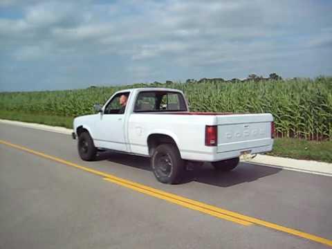 93 Dodge Dakota 318 Burnout 1 - YouTube