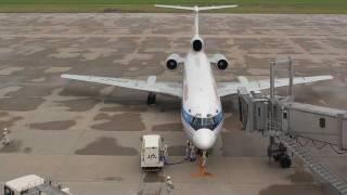 ウラジオストク航空 Tu-154 新潟空港 ブロックイン 100619