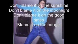 Blame it on the boogie - The Jacksons(lyrics on screen)[HQ]