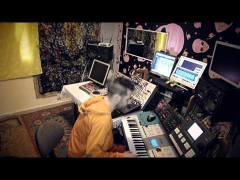 ADRIANUS--ZIGOTA--OFFICIAL-VIDEOCLIP.mpg