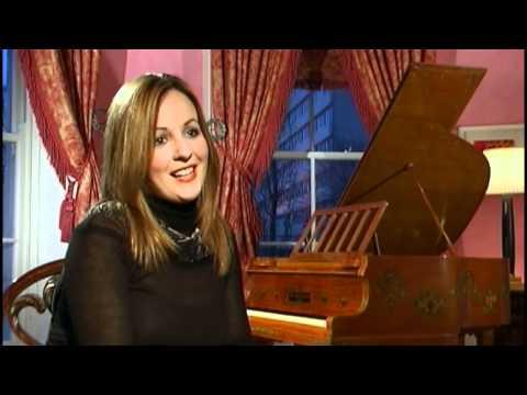 Meet the Artist - Lisa Kelly