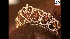 Jewellery-makers unveils two gold Tiaras