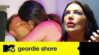 Abbie Holborn Goes Akka And Swills New Lad Grant Molloy | Geordie Shore 17 Ep #1 Highlights