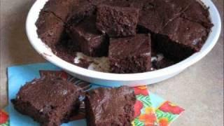 Gluten Free Recipes - Chocolate Chip Cookie Bar Recipe From Yummee Yummee!